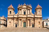 Italy, Sicily, Noto: The Baroque Duomo SS. Nicolò di Mira e Corrado | Italien, Sizilien, Noto: SS. Nicolò di Mira e Corrado, der Dom von Noto