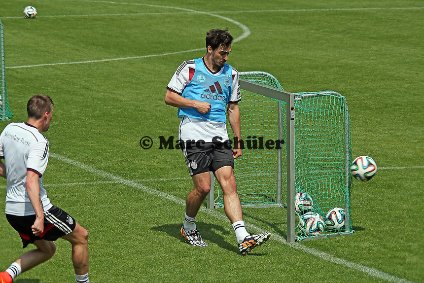 Mats Hummels hat den Ball um den Pfosten gelenkt - Trainingslager der Deutschen Nationalmannschaft zur WM-Vorbereitung in St. Martin