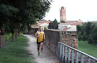 Jogging lungo le Mura di Ferrara<br /> Joggers make their way along the Walls of Ferrara.<br /> UPDATE IMAGES PRESS/Riccardo De Luca