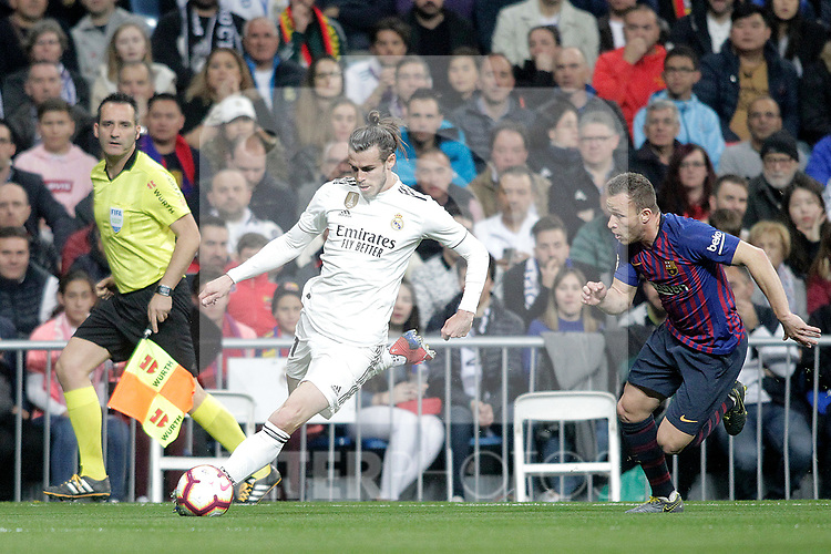Real Madrid CF's Gareth Bale and FC Barcelona's Arthur Melo during La Liga match. March 02,2019. (ALTERPHOTOS/Alconada)