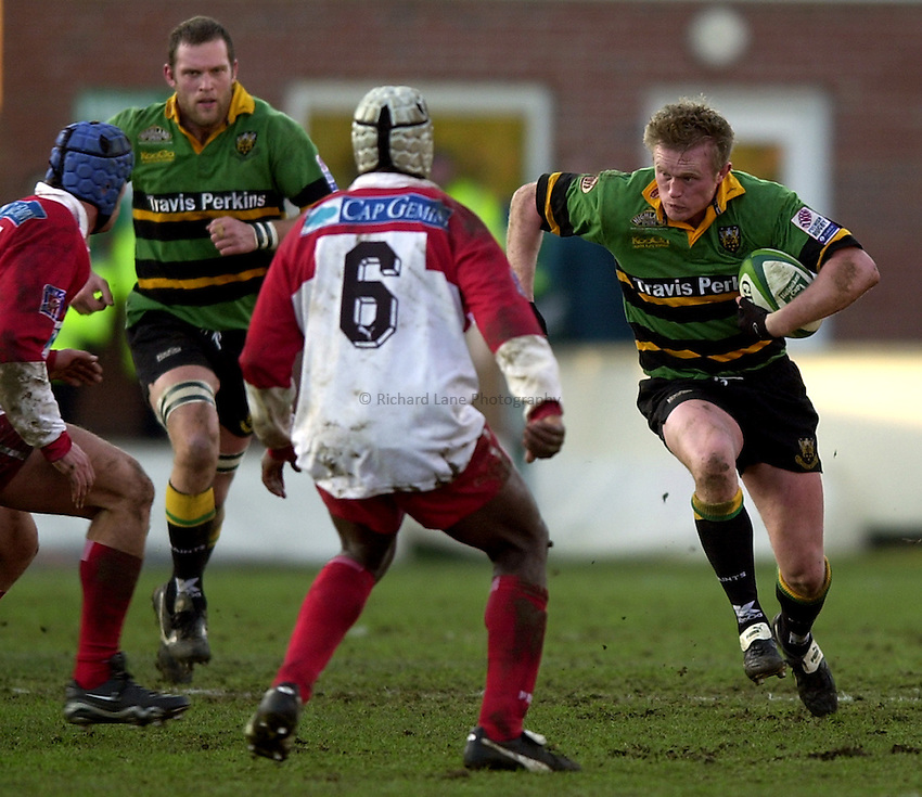 Photo. Richard Lane. .Northampton Saints v Biarritz. Heineken Cup. 11/01/2003..Mark Soden attacks.