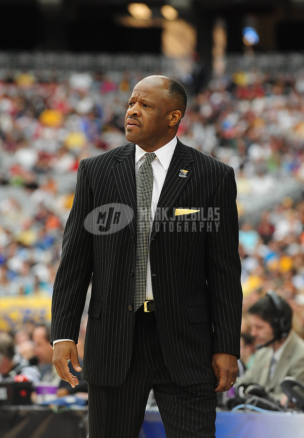 Mar 28, 2009; Glendale, AZ, USA; Missouri Tigers head coach Mike Anderson against the Connecticut Huskies during the finals of the west regional in the 2009 NCAA mens basketball tournament at the University of Phoenix Stadium. Mandatory Credit: Mark J. Rebilas-