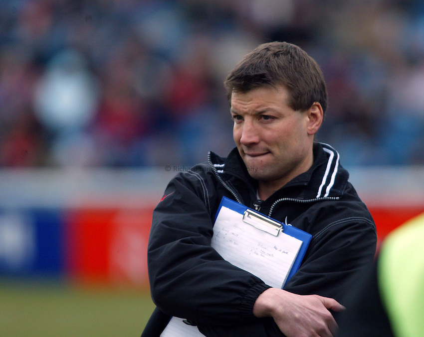 Photo. Chris Ratcliffe..NEC Harlequins v Newcastle Falcons. Zurich Premiership. 13/03/2005..Newcastle's Director of Rugby Rob Andrew.
