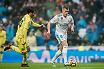 Toni Kroos (R) of Real Madrid battles for the ball with Manuel Trigueros Munoz of Villarreal CF during the La Liga 2017-18 match between Real Madrid and Villarreal CF at Santiago Bernabeu Stadium on January 13 2018 in Madrid, Spain. Photo by Diego Gonzalez / Power Sport Images