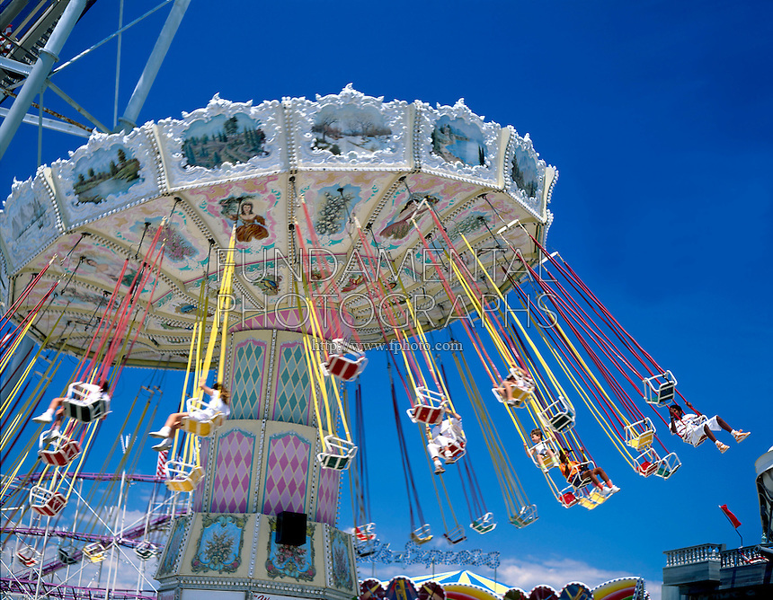 AMUSEMENT PARK RIDE <br />