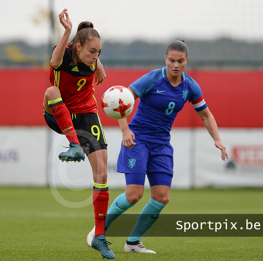 20170914 - TUBIZE ,  BELGIUM : Belgian Tessa Wullaert (left) pictured with Dutch Sherida Spitse (r) during the friendly female soccer game between the Belgian Red Flames and European Champion The Netherlands , a friendly game in the preparation for the World Championship qualification round for France 2019, Thurssday 14 th September 2017 at Euro 2000 Center in Tubize , Belgium. PHOTO SPORTPIX.BE | DAVID CATRY