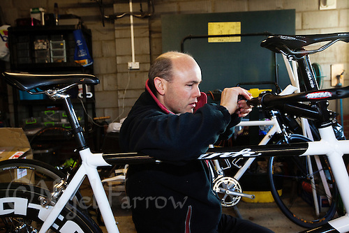 10 DEC 2011 - NORFOLK, GBR - Iain Dawson sets up the new tandem for a training ride with his new guide Luke Watson during one of the few training weekends they will have together before the start of the new season (PHOTO (C) NIGEL FARROW)