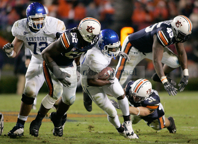 The UK Wildcats face the Auburn Tigers at the Jordan-Hare Stadium in Auburn, Ala. during Saturday's game..Photo by Zach Brake | Staff