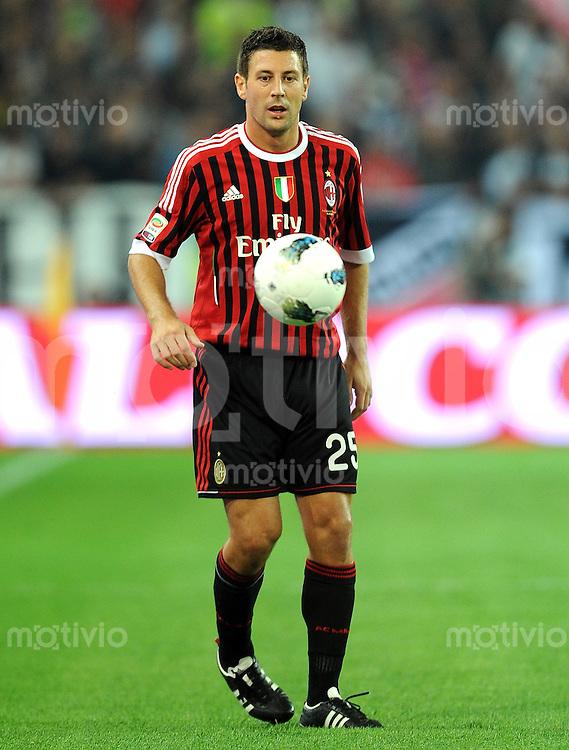 FUSSBALL INTERNATIONAL   SERIE A   SAISON 2011/2012    Juventus Turin - AC Mailand  02.10.2011 Daniele Bonera (AC Mailand)