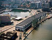 Juni 1996. Kaaien en Bonapartedok in Antwerpen.