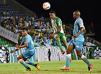 MONTERIA - COLOMBIA, 02-09-2018: Juan Camilo Roa (Izq) y Wilmer Diaz (Der) jugadores de Jaguares de Córdoba disputan el balón con Jeison Steven Lucumi (C) jugador de Atletico Nacional durante partido por la fecha 7 de la Liga Águila II 2018 jugado en el estadio Municipal de Montería. / Juan Camilo Roa (L) and Wilmer Diaz (R) players of Jaguares of Cordoba vie for the ball with Jeison Steven Lucumi (C) player of Atletico Nacional during a match for the date 7 of the Liga Aguila II 2018 at the Municipal de Monteria Stadium in Monteria city. Photo: VizzorImage / Andres Felipe Lopez / Cont