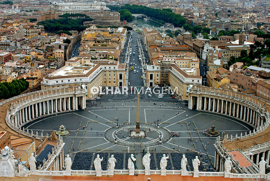 Praça de São Pedro no Vaticano. Roma. Itália. 2006. Foto de Luciana Whitaker.