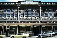 Honolulu: Victorian Commercial Building, Nuuanu Ave. Photo '82.