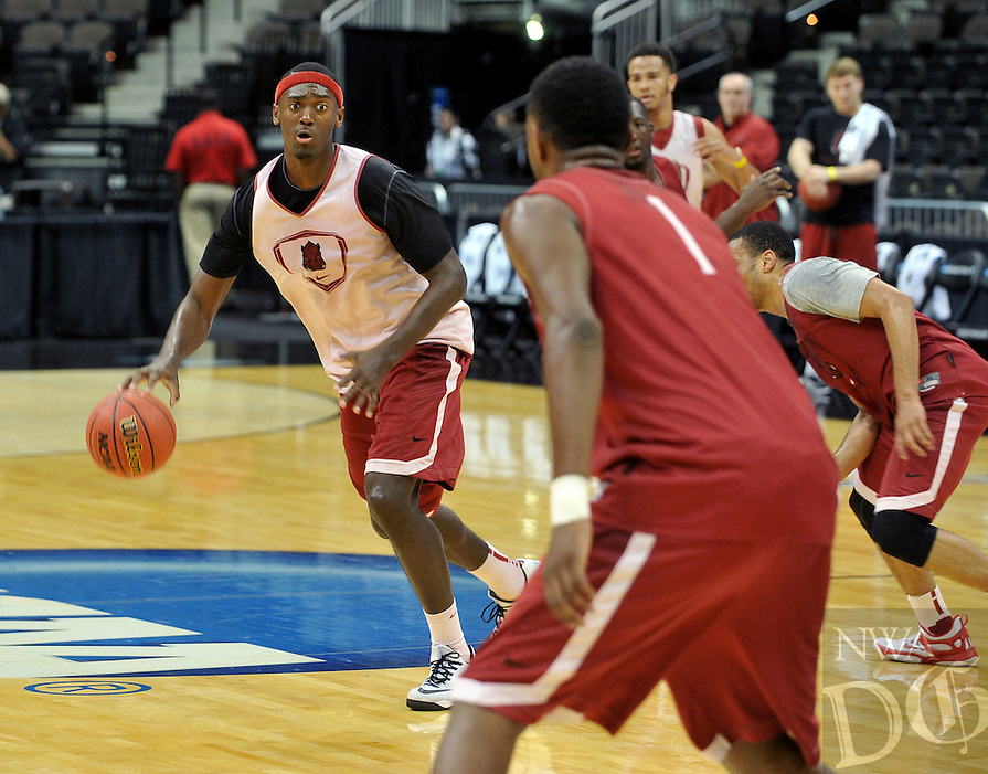 NWA Democrat-Gazette/Michael Woods --03/15/2015--w@NWAMICHAELW... University of Arkansas Razorbacks forward Bobby Portis runs drills with his team Wednesday evening during the Razorbacks practice at Jacksonville Veterans Memorial Arena in Jacksonville, Florida.