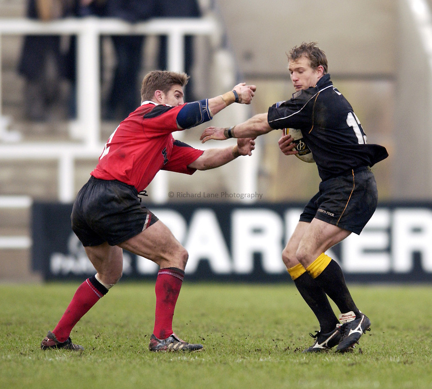 Photo. Jed Wee.Newcastle Falcons v Saracens, Parker Pen Challenge Cup, Kingston Park, Newcastle. 19/01/2003..Newcastle's Jamie Noon (R).