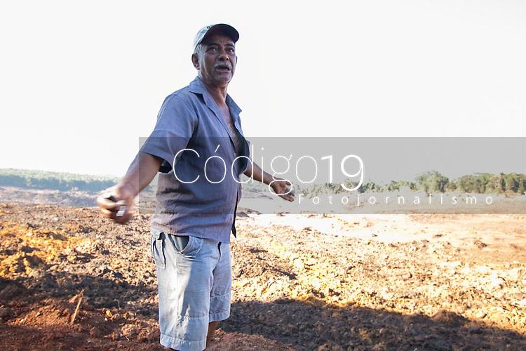 BRUMADINHO, MG, 01.02.2019: ROMPIMENTO DA BARRAGEM EM BRUMADINHO. Pai de vitima lamenta desaparecimento do filho no local do rompimento da barragem da Mineradora Vale, em Corrego do Feijao-Brumadinho, região metropolina de Belo Horizonte, MG, na manhã desta sexta feira (01) (foto Giazi Cavalcante/Codigo19)