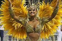 SÃO PAULO, SP, 09.03.2019 - CARNAVAL-SP - Ellen Rocche rainha da escola de samba Rosa de Ouro comemoram no desfile das campeãs do grupo especial de São Paulo na noite deste sábado, 09. (Foto: Nelson Gariba/Brazil Photo Press)