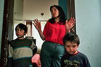 SREBRENICA / REPUBLIKA SRPSKA 2010.<br /> Centro collettivo per profughi serbi provenienti da zone passate sotto il controllo dei croati o dei musulmani. Non hanno altro posto dove andare e la famiglia è costretta a vivere in una camera di un vecchio albergo diventato un campo profughi.<br /> Collective center for displaced Serbs coming from areas pass under the control of Croats or Muslims. They cannot go back in their homes and they are forced to live in a collective center.<br /> Photo Livio Senigalliesi