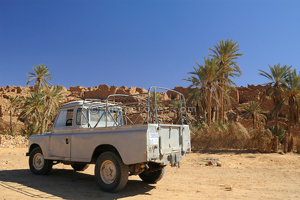 Africa, Mauritania, Sahara Desert, Ouadane. Working old Land Rover Series 3 long wheel base truck cab outside the old quarter of Ouadane. --- No releases available. Automotive trademarks are the property of the trademark holder, authorization may be needed for some uses.