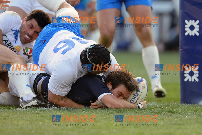 meta di Morgan PArra (Francia)<br /> Morgan Parra scores a try<br /> Italia vs Francia -  Italy Vs France<br /> RBS 6 Nations Rugby Championship 2011 <br /> Stadio Flaminio;<br /> Roma, 12/03/2011<br /> Photo Antonietta Baldassarre Insidefoto