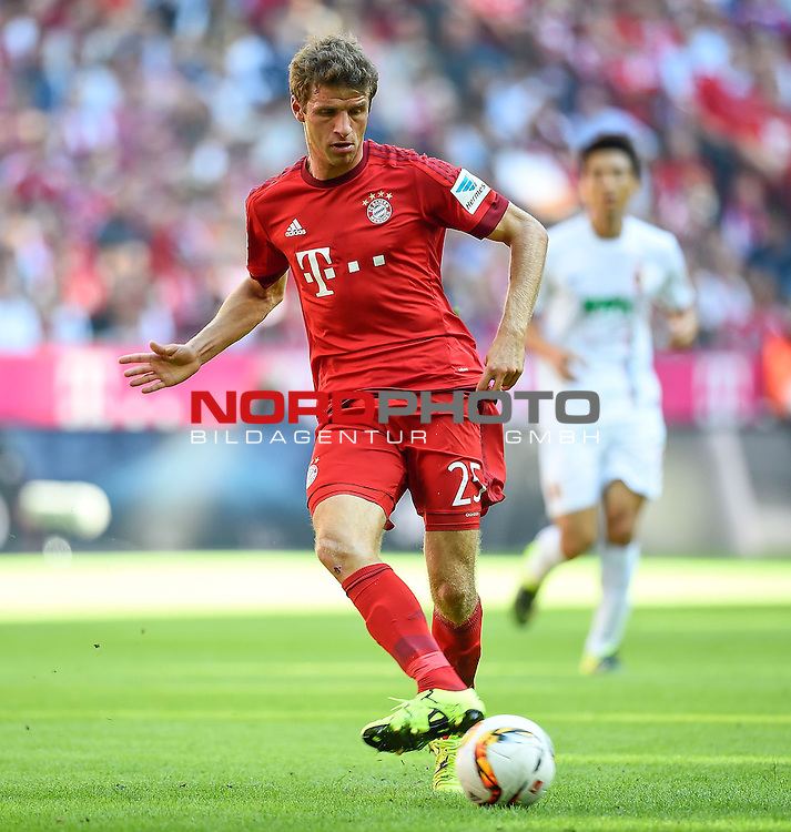 12.09.2015, Allianz Arena, M&uuml;nchen, GER, 1. FBL, FC Bayern M&uuml;nchen vs. FC Augsburg<br /> Thomas M&uuml;ller (M&uuml;nchen)<br /> <br /> <br /> Foto &copy; nordphoto /  Bratic