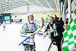 V&auml;ster&aring;s 2014-03-08 Bandy SM-semifinal 4 V&auml;ster&aring;s SK - Hammarby IF :  <br /> V&auml;ster&aring;s Johan Esplund jublar med V&auml;ster&aring;s supportrar<br /> (Foto: Kenta J&ouml;nsson) Nyckelord:  VSK Bajen HIF jubel gl&auml;dje lycka glad happy supporter fans publik supporters