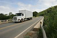 EUNÁPOLIS, BA, 23.03.2011 - PONTE - imagem de arquivo de ponte sobre o Rio Buranhém na rodovia BR 101 no município de Eunápolis (sul da Bahia). (Foto: Joá Souza / Brazil Photo Press).