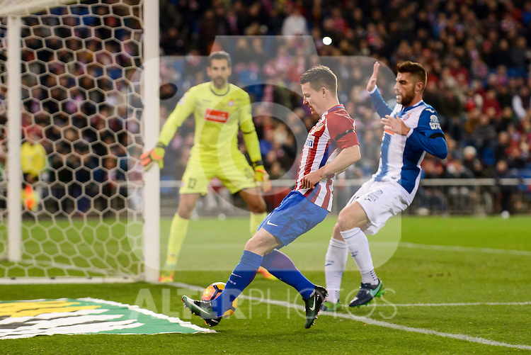 Atletico de Madrid's player Kevin Gameiro and RCD Espanyol player Diego Lopez David Lopez during match of La Liga between Atletico de Madrid and RCD Espanyol at Vicente Calderon Stadium in Madrid, Spain. December 03, 2016. (ALTERPHOTOS/BorjaB.Hojas)