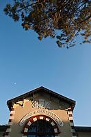 Europe/France/Aquitaine/33/Gironde/Bassin d'Arcachon/Arcachon:  Hôtel Ville d' Hiver situé dans l'ancien batiment de la Compagnie Générales des Eaux de 1884