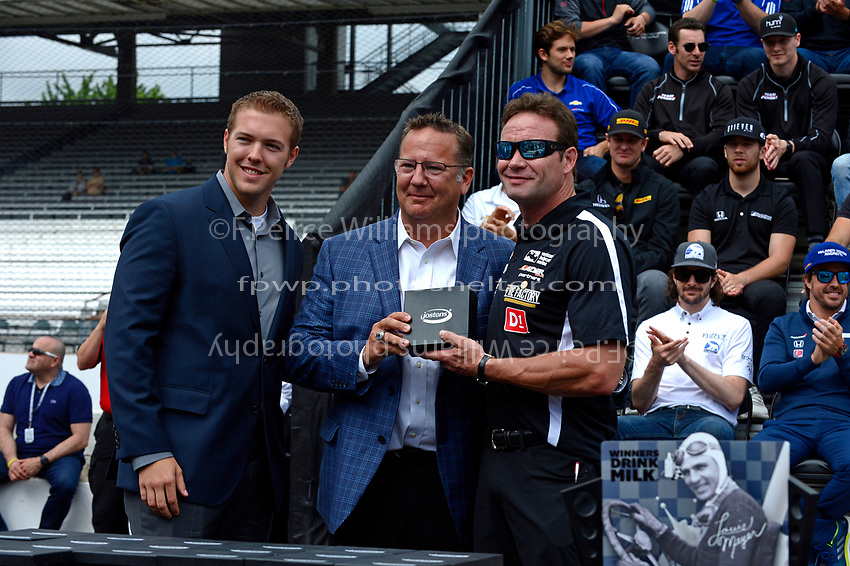 Verizon IndyCar Series<br /> Indianapolis 500 Drivers Meeting<br /> Indianapolis Motor Speedway, Indianapolis, IN USA<br /> Saturday 27 May 2017<br /> Starter's ring presentation: Buddy Lazier, Lazier Racing Partners Chevrolet<br /> World Copyright: F. Peirce Williams