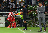 MEDELLIN -COLOMBIA-24-ENERO-2015. Jugadores del Independiente Santa Fe celebran el gol de su compa–ero Wilson Morelo  contra el Atletico Nacional  durante partido de ida de La Superliga Postobon 2015 jugado en el estadio Atanasio Girardot de la ciudad de Medellin./ Independiente Santa Fe players celebrate the goal of his teammate Wilson Morelo  against Atletico Nacional during leg of the Superliga Postobon 2015 played in the Atanasio Girardot stadium in Medellin City. Photo:VizzorImage / Luis R'os / STR