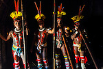 &Iacute;ndios Kalapalos com flautas uru&aacute; para festa do Kuarup na Aldeia Aiha no Parque Ind&iacute;gena do Xingu | Kalapalo men with uru&aacute; flutes to Kuarup party at Aiha Village in the Xingu Indigenous Park<br /> <br /> LOCAL: Quer&ecirc;ncia, Mato Grosso, Brasil <br /> DATE: 07/2009 <br /> &copy;Pal&ecirc; Zuppani