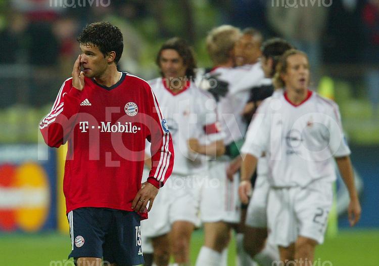 FUSSBALL Champions League 2002/2003 Gruppe G 3. Spieltag FC Bayern Muenchen 1-2 AC Mailand   Enttaeuschter Michael Ballack (FCB)