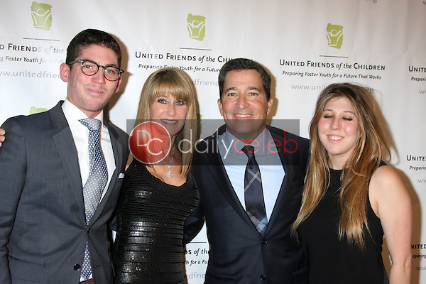 Ande Rosemblum, Bruce Rosenblum, family at the United Friends of the Children Brass Ring Awards Dinner, Beverly Hilton Hotel, Beverly Hills, CA 06-02-15<br /> David Edwards/DailyCeleb.com 818-249-4998