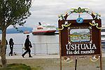 Croisière à bord du NordNorge.Bateau à quai à Ushuaia (Argentine) au point de départ.  Péninsule Antarctique