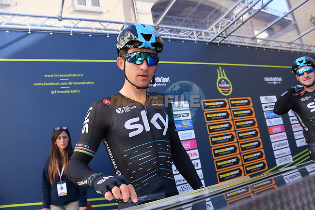 Michal Kwiatkowski (POL) Team Sky at sign on before the start of stage 2 of the 2017 Tirreno Adriatico running 229km from Camaiore to Pomarance, Italy. 9th March 2017.<br /> Picture: La Presse/Gian Mattia D'Alberto | Cyclefile<br /> <br /> <br /> All photos usage must carry mandatory copyright credit (&copy; Cyclefile | La Presse)