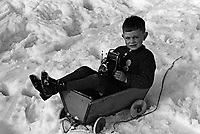 Garcon avec une camera, a la  montagne en Allemagne,entre 1932 et 1935<br /> <br /> Boy with camaerai at German mountain between 1932 ans 1935