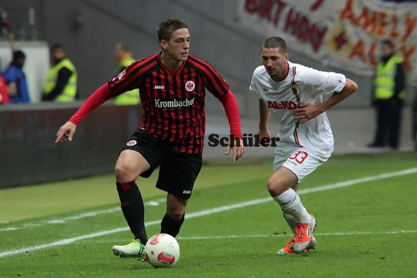 Bastian Oczipka (Eintracht) gegen Sascha Moelders (Augsburg)