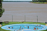 URUGUAY Salto, swimming club at river Uruguay / URUGUAY Salto, Schwimmbad am Fluss Uruguay