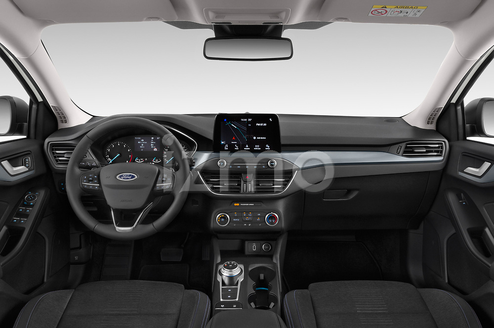 Stock photo of straight dashboard view of a 2019 Ford Focus-Clipper Active-Business 5 Door Wagon