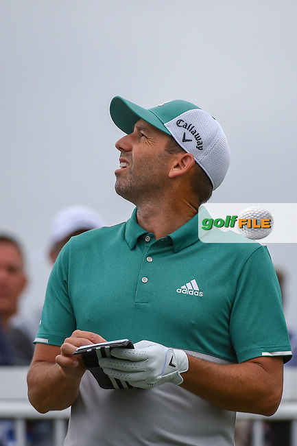 Sergio Garcia (ESP) checks the wind before his tee shot on 7 during day 4 of the WGC Dell Match Play, at the Austin Country Club, Austin, Texas, USA. 3/30/2019.<br /> Picture: Golffile | Ken Murray<br /> <br /> <br /> All photo usage must carry mandatory copyright credit (© Golffile | Ken Murray)