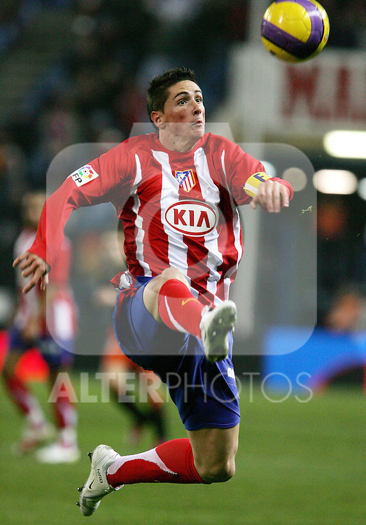 Atletico de Madrid's Fernando Torres during Spain's King's Cup match at Vicente Calderon Stadium in Madrid, Tuesday January 09, 2007. (ALTERPHOTOS/Alvaro Hernandez).