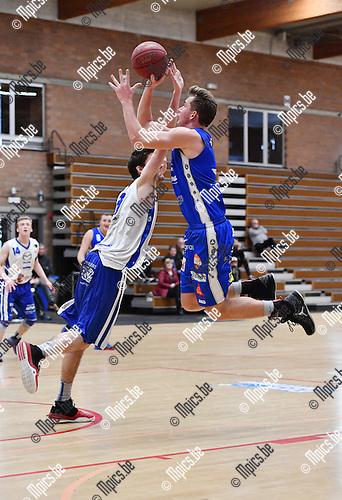 2017-02-12 / Basketbal / Seizoen 2016-2017 / Kangoeroes - Zottegem / Bogaerts probeert te scoren voor Kangoeroes<br /> <br /> ,Foto: Mpics.be