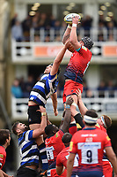 Will Spencer of Worcester Warriors wins the ball at a lineout. Aviva Premiership match, between Bath Rugby and Worcester Warriors on October 7, 2017 at the Recreation Ground in Bath, England. Photo by: Patrick Khachfe / Onside Images