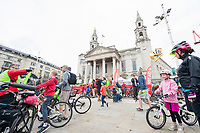 Picture by Allan McKenzie/SWpix.com - 10/09/17 - Commercial - Cycling - HSBC UK City Ride Leeds - Leeds, England - City ride riders prepare outside the Civic Hall.