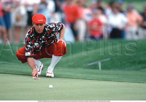 PAYNE STEWART lines up a putt, Bay Hill Invitational Golf Tournament, Orlando, Florida, 970323. Photo: Glyn Kirk/Action Plus...1997.plus fours.golfer golfers