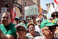 Verona: Manifestazione della Lega Nord per protestare contro l'IMU  tassa sulla casa introdotta dal Governo Monti.