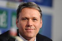 VOETBAL: SC HEERENVEEN: Abe Lenstra Stadion, 13-02-2012, Persconferentie, Presentatie nieuwe trainer Marco van Basten, ©foto: Martin de Jong