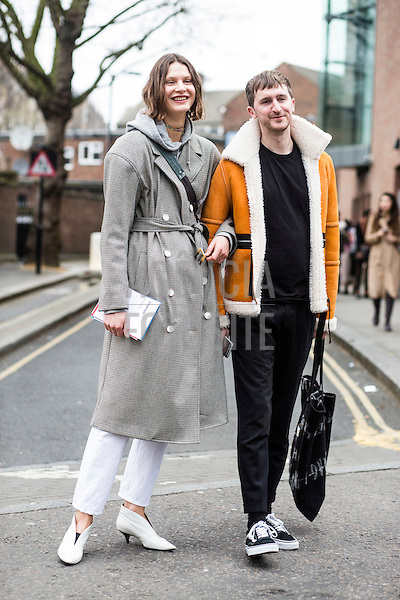 Street Style<br /> <br /> Londres - Inverno 2017<br /> <br /> Fevereiro 2017<br /> <br /> foto: FOTOSITE