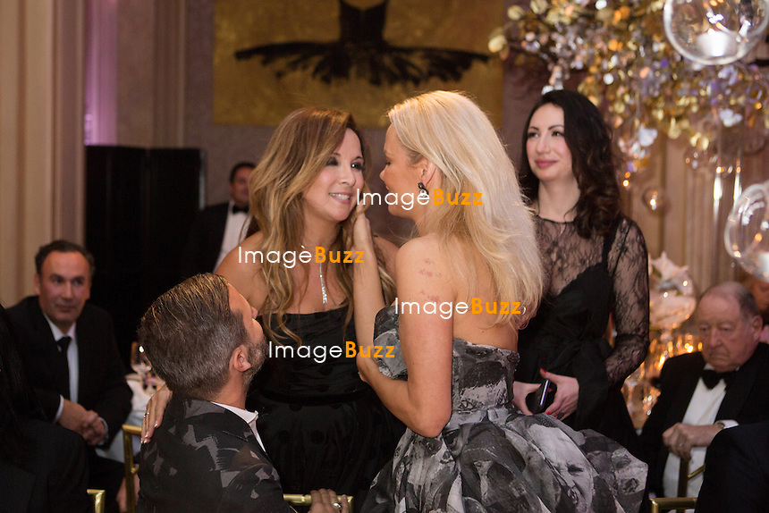 Pamela Anderson &amp; H&eacute;l&egrave;ne S&eacute;gara : &quot; The Best &quot; 40th Edition &agrave; l'h&ocirc;tel George V.<br /> France, Paris, 27 janvier 2017.<br /> ' The Best ' 40th Edition at the George V hotel in Pais.<br /> France, Paris, 27 January 2017